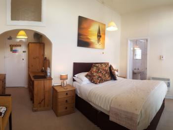 Large double ensuite room. 1st Floor. No sea or Harbour views