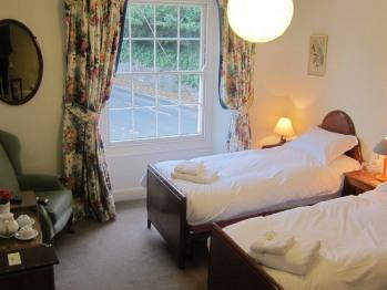 Twin room (room 3)