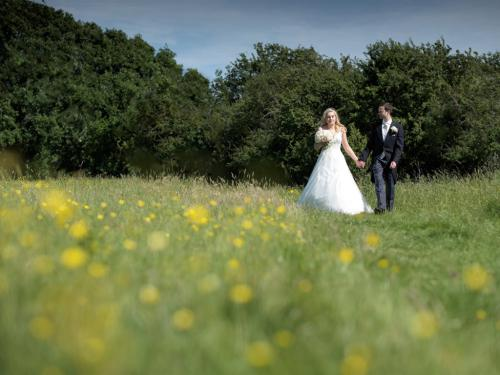 Relaxed fairytale weddings at Elvey Farm
