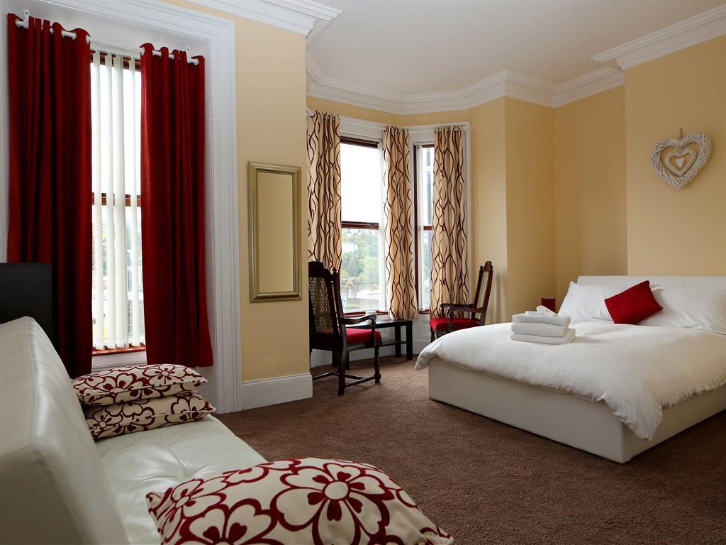Double room-Deluxe-Ensuite with Shower - Base Rate