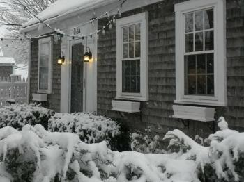 Moffett House Inn during winter