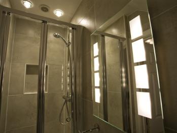 Twin En suite Shower Room