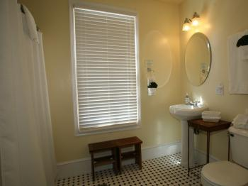 Rhone Room Bath