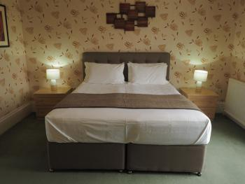Double room-Deluxe-Ensuite with Shower-Super King - Double room-Deluxe-Ensuite with Shower-Super King