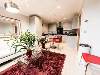Malthouse Court (Kennet Serviced Apartments) -