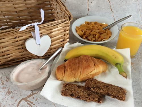 Our picnic breakfast delivered to your door