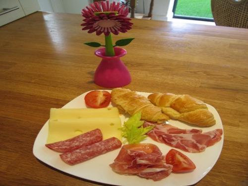 contineltal breakfast