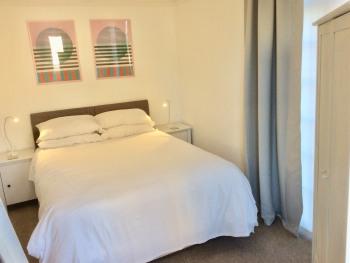 Inspire Ground Floor - King bed.