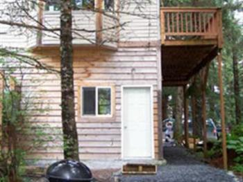 Treefort Apartment