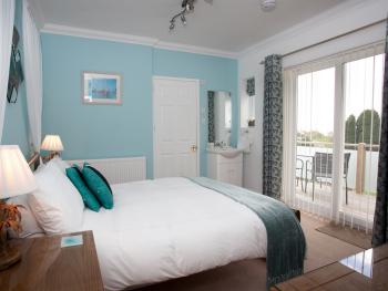 Double room-Standard-Ensuite-Garden Terrace - Base Rate