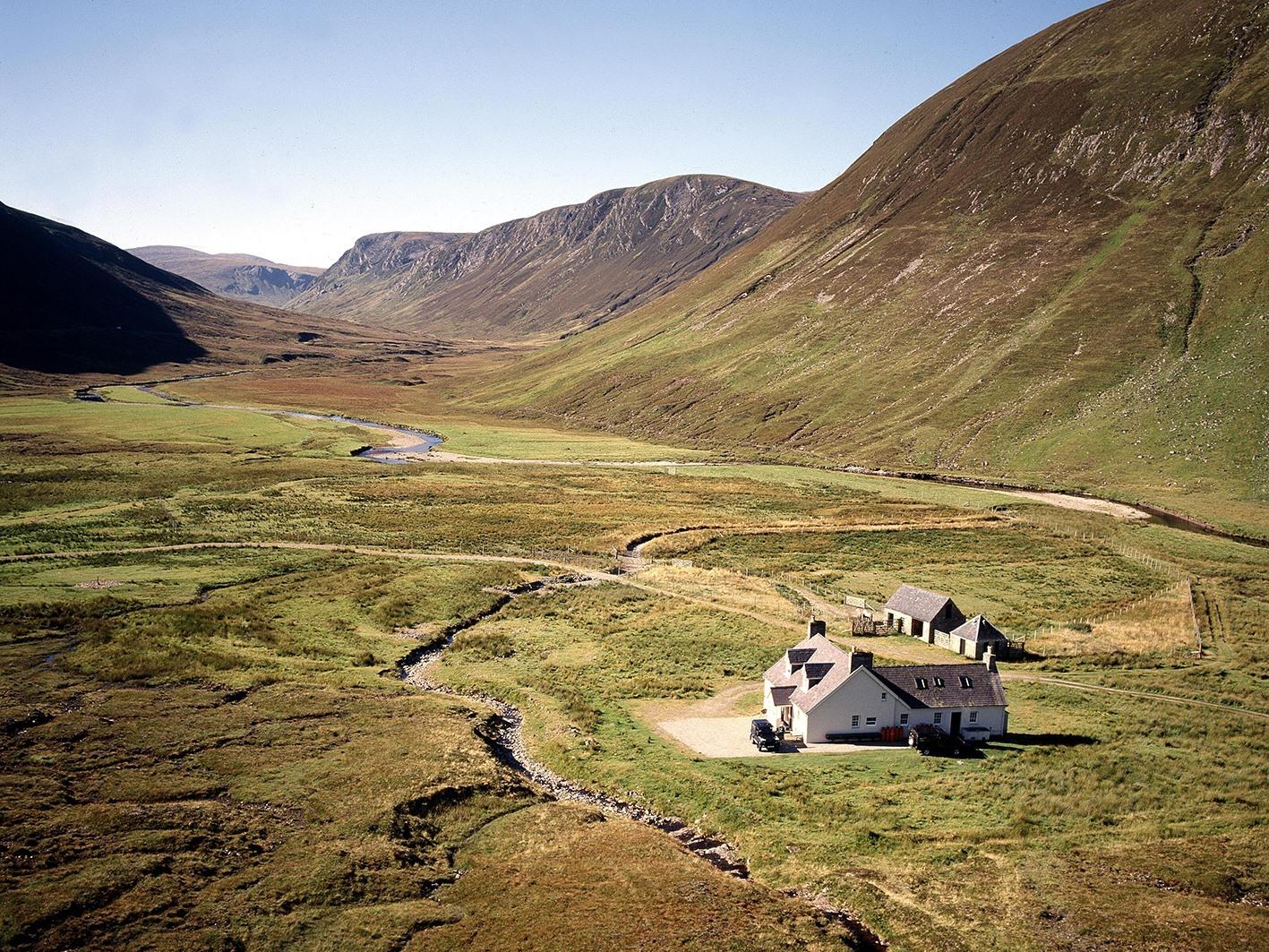 Deanich Lodge