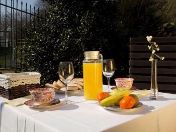 Posada El Marqués de Trancadorio. Desayuno en el jardín