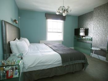 """""""Snowstorm"""" Superior double guest room"""