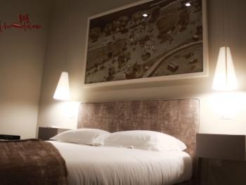 Matrimoniale-Moderna-Bagno in camera con doccia-Vista strada