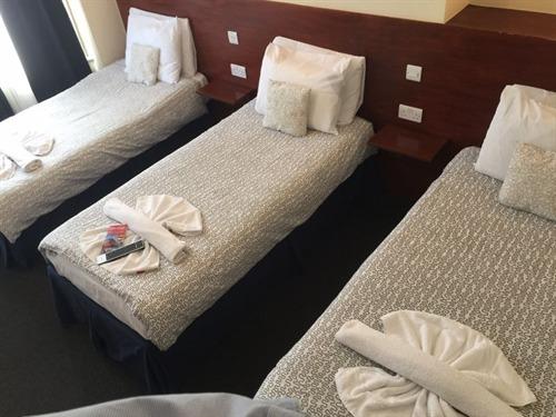 Triple room-Shared Bathroom-Three Single Beds