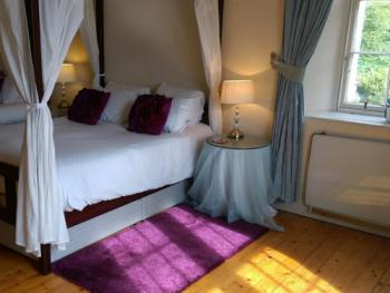 Double room-Deluxe-Ensuite-Mountain View-Four Poster - Double room-Deluxe-Ensuite-Mountain View-Four Poster
