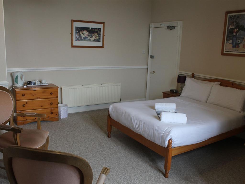Double Ensuite - Large Room