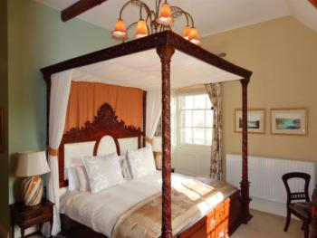 Double room-Ensuite-Beaumont  4 poster bed - Base Rate