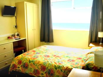 Double room-Classic-Ensuite with Shower-Sea View - Base Rate RO