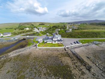 Aultbea Hotel - Tides out