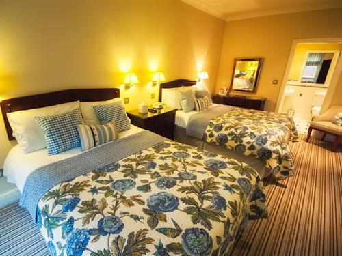 Family En-Suite Room - 2 adults & 2 children only