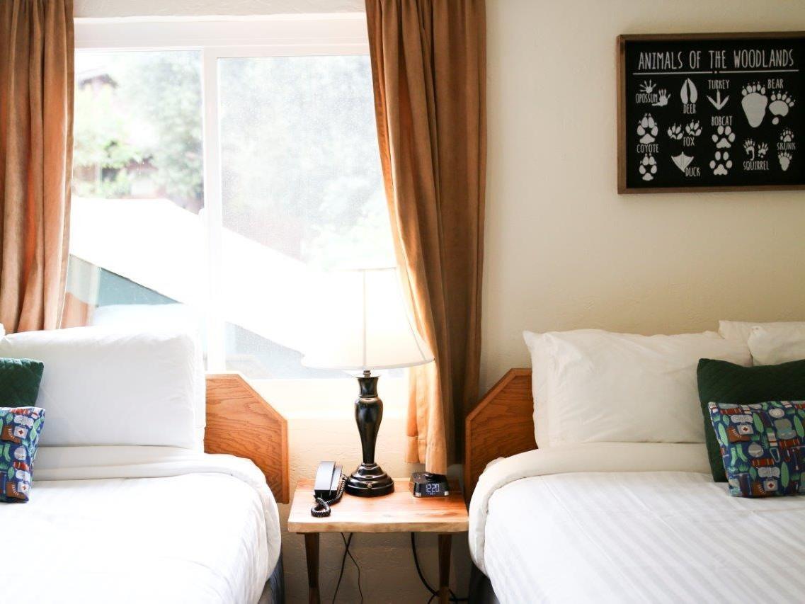 Buckeye Room 09