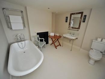 Cabourne Bathroom