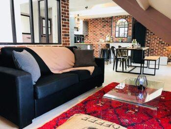 Un espace salon cozy et chaleureux