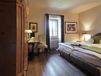 Matrimoniale-Superiore-Bagno in camera con doccia-Vista montagna