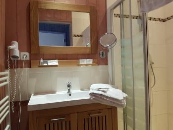 Salle d'eau avec douche à l'italienne chambre eden