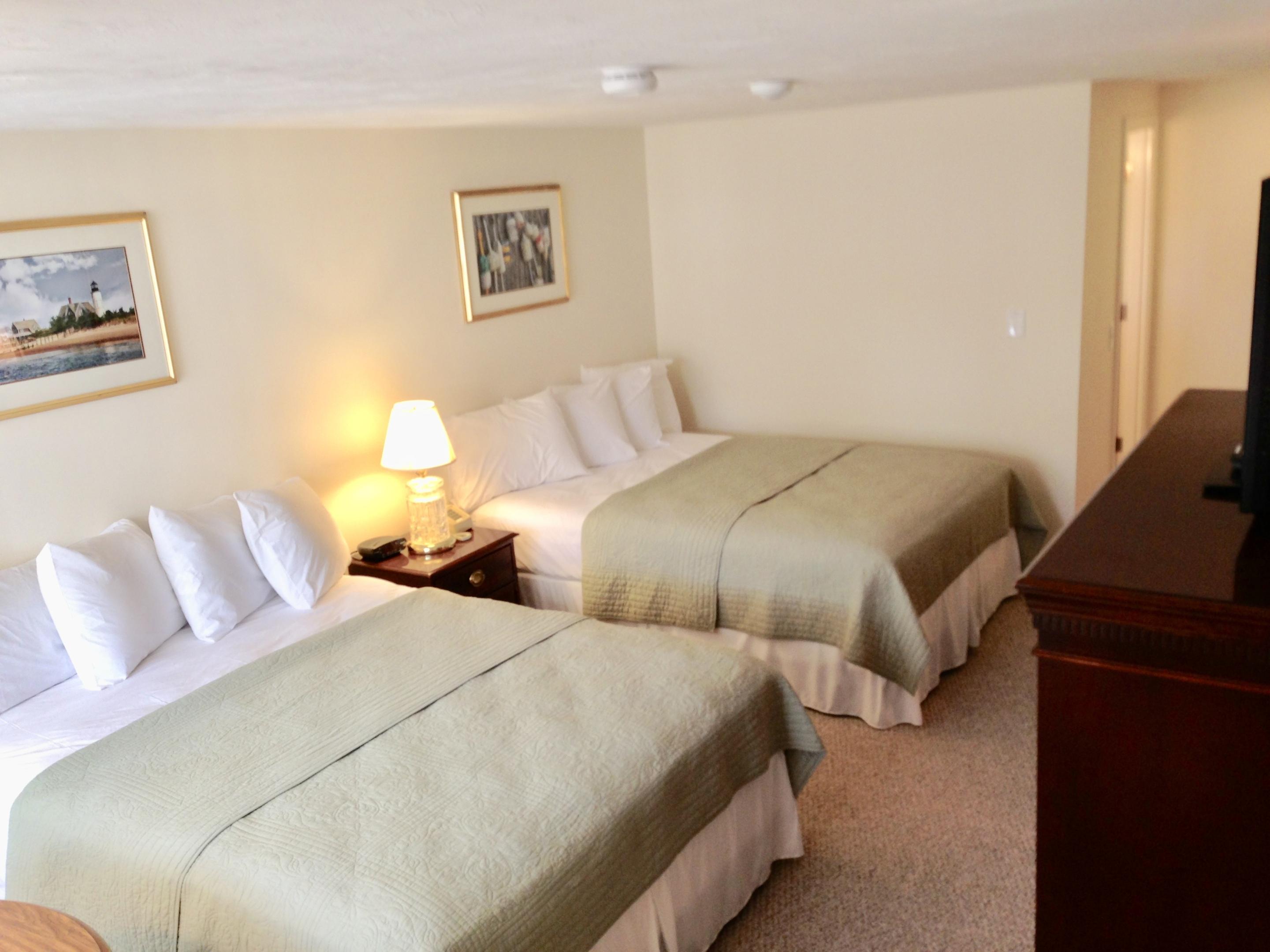 2 Queen Beds 1st floor-Standard-Queen-Private Bathroom