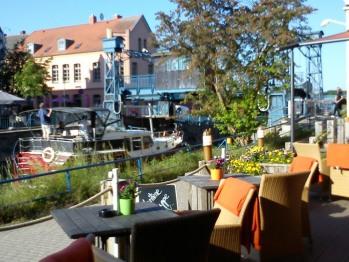 Im Café Flair nur ein paar Meter entfernt