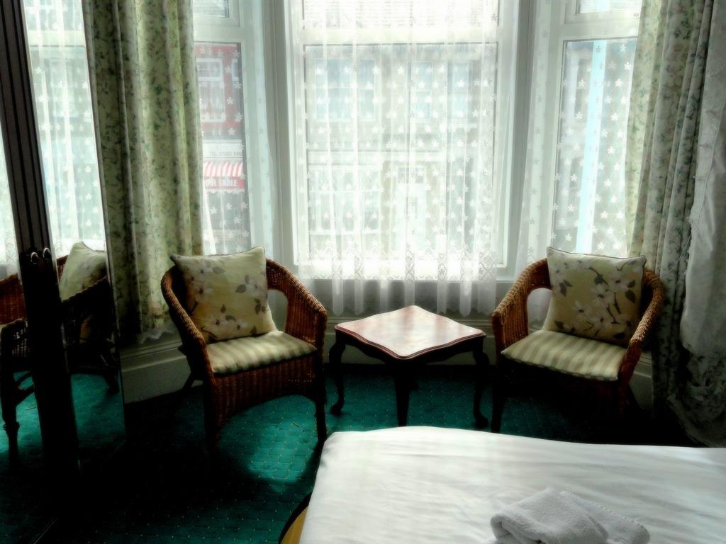 room 4 - en suite double