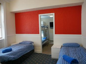 6 Bed Ensuite Room