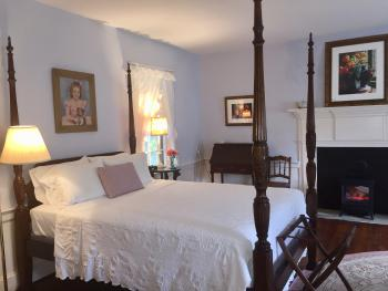Blue guest room (half of the Family Suite)
