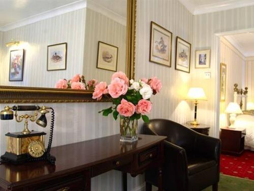 Canterbury Suite