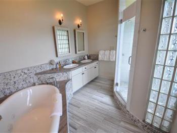Single room-Ensuite with Jet bath-Premium-Countryside view-Hays Room - Base Rate