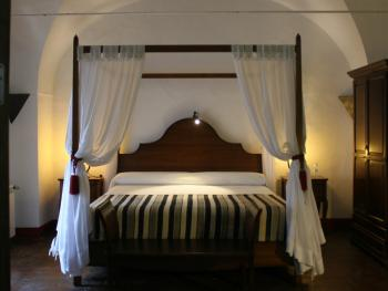 Suite-Premium-Baño con bañera-Vista a la Calle-Cuarto del Sultán - Tarifa Base