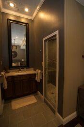 Delia room bathroom 1