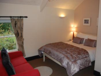 Family room-Standard-Ensuite-2 Adults 1 Child