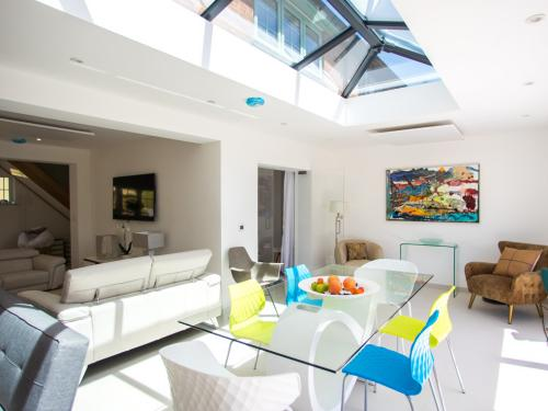 State of the Art Dining room that comfortably seats 8