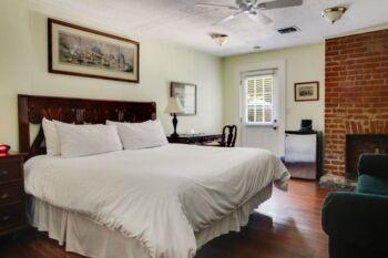Bougainvillea Room