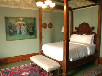 Enrico Caruso Room