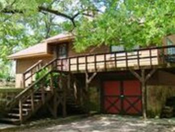 Cabin-Private Bathroom-Family-Countryside view-Arbuckle Mountain Hideawa