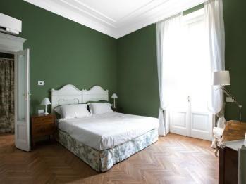 Matrimoniale-Lusso-Bagno in camera con doccia-Vista giardino-Balcone