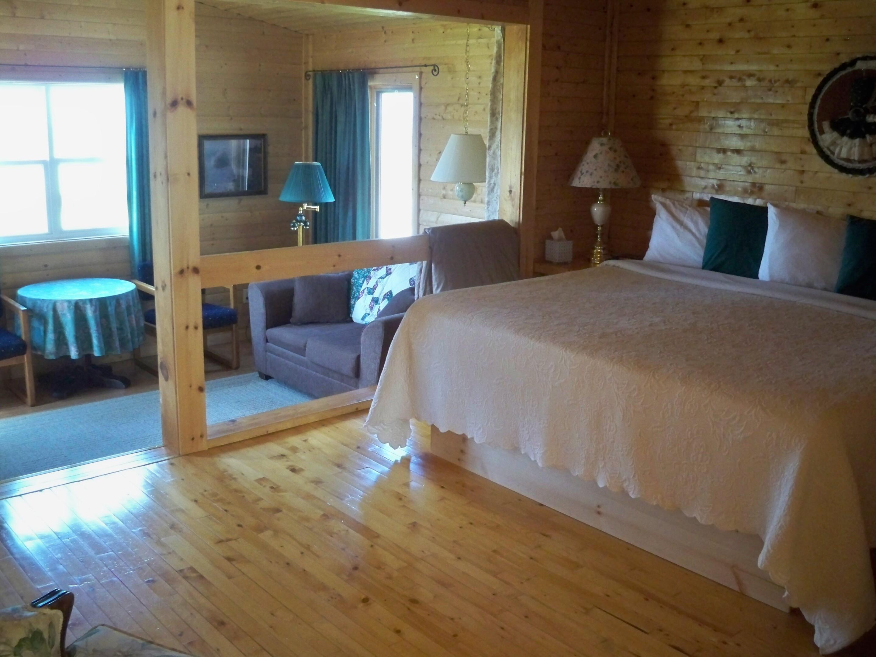 Guest House #1-Quad room-Harbor View-Ensuite-Superior - Base Rate