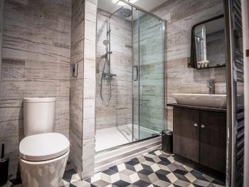 En-suite Rain Shower