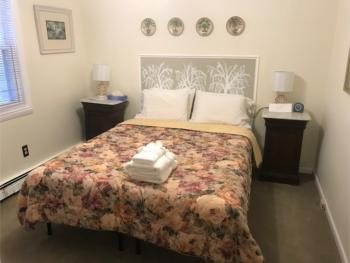 Double room-Ensuite-Standard-Room 03 Queen Bed on Firs