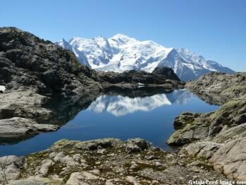 Lac Cornu et le Mont-Blanc en toile de fond