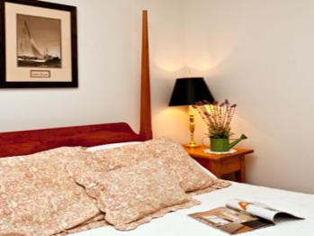 Triple room-Ensuite-Standard-06 Cotton Blossom